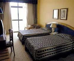 Reservar Hotel Om Kolthoom
