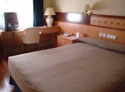 Servicios del Hotel Husa Tres Torres