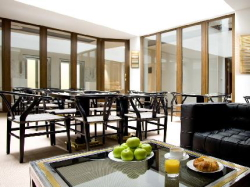 Reservar Hotel Room Mate Leo
