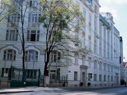 Hotel NH Belvedere de