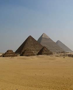 Las pirámides de Gizeh del Cairo