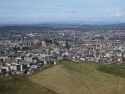 Llegar en avión a Edimburgo