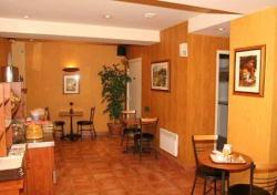 Reservar Hotel Comfort Hotel Place Du Tertre