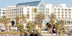 Hotel Loews Santa Monica Beach Hotel  de