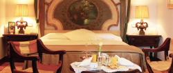 Servicios del Hotel Parador De Reis Catolicos
