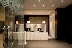 Hotel Room Mate Lola de