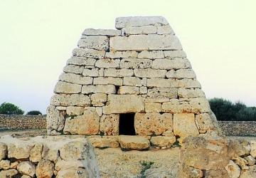 Naveta des Tudons de Menorca